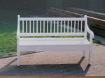Holzbank weiß gestrichen
